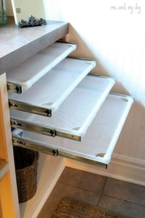 DIY Built-in Laundry Drying Racks by Xaronca