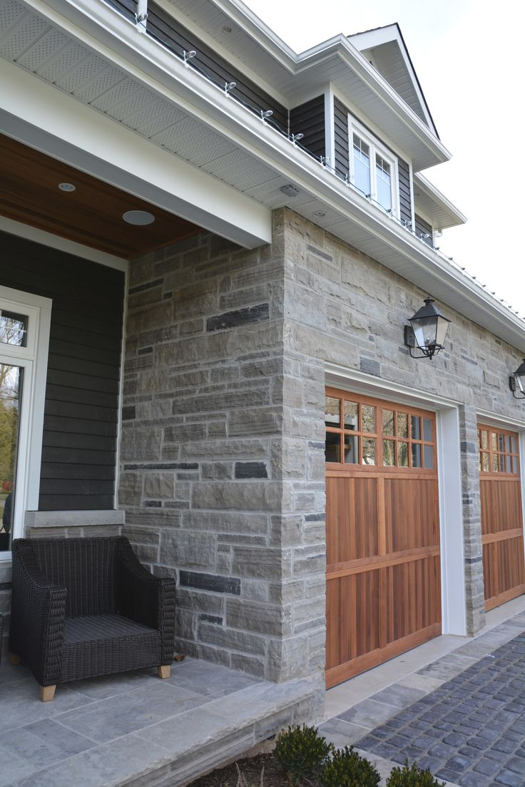 Best 25 Stone Veneer Exterior Ideas On Pinterest Diy Exterior Veneer Faux Stone Siding And