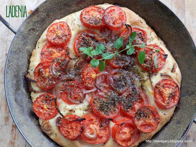 Stare Gary Ladenia - grecka pizza z pomidorami