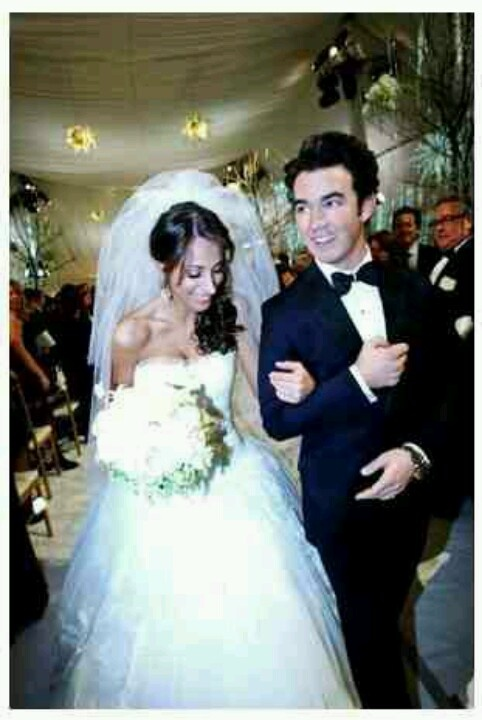 8 best images about Jonas Brothers wedding all floral ...