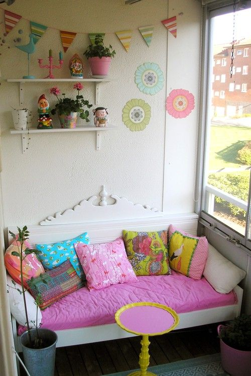 so fun!  would love this nook in my house.
