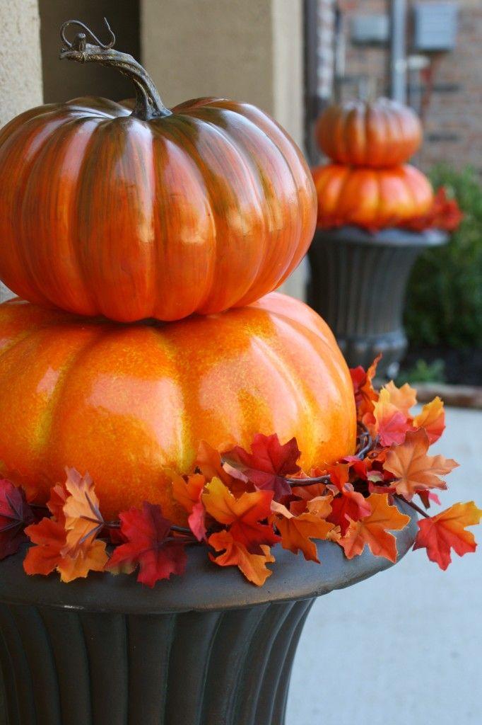 Quick and Easy Outdoor Pumpkin Topiaries {adiamondinthestuff.com}