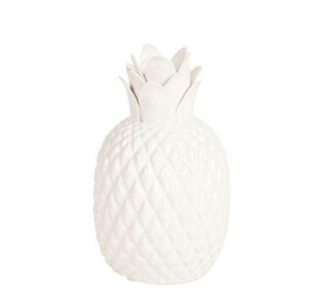 pineapple vase home sweet apartment pinterest vase. Black Bedroom Furniture Sets. Home Design Ideas