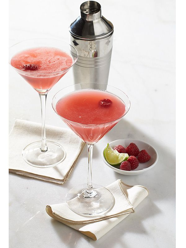 Get the Recipe for Jennifer Lawrence's 'Favorite Cocktail' from Vanderpump Rules http://greatideas.people.com/2015/11/17/jennifer-lawrence-vanderpump-rules-cocktail-recipe/?xid=socialflow_twitter_peoplemag