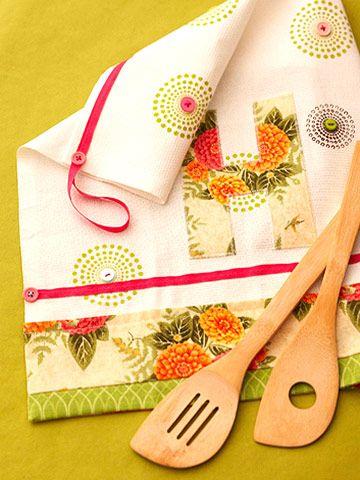 Monogram Dish Towel How-to - nice hostess gift.
