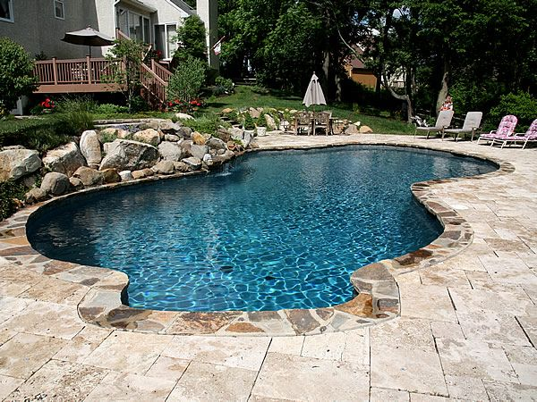 Attractive Kidney Shaped Pool