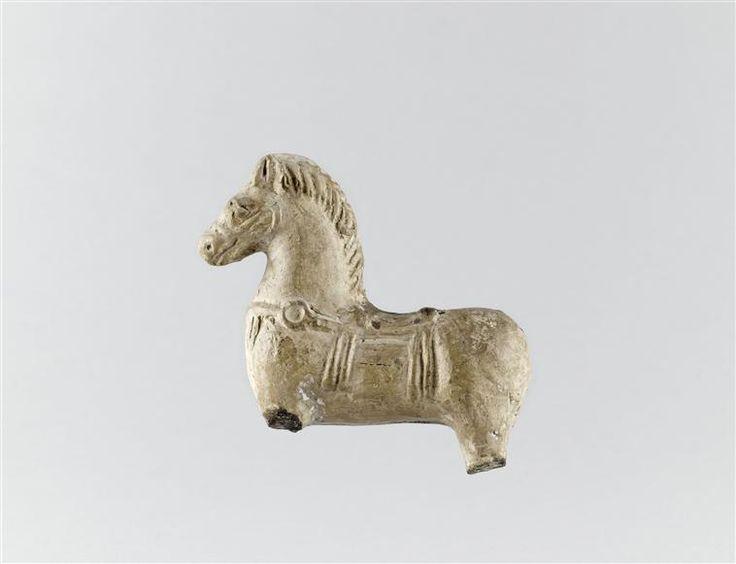 Statuette de cheval en terre cuite, Ier-IIe siècle, © RMN-GP (MAN) / T; Le Mage  Nos collections sur : musee-archeologienationale.fr/collection/parcourir-les-collections
