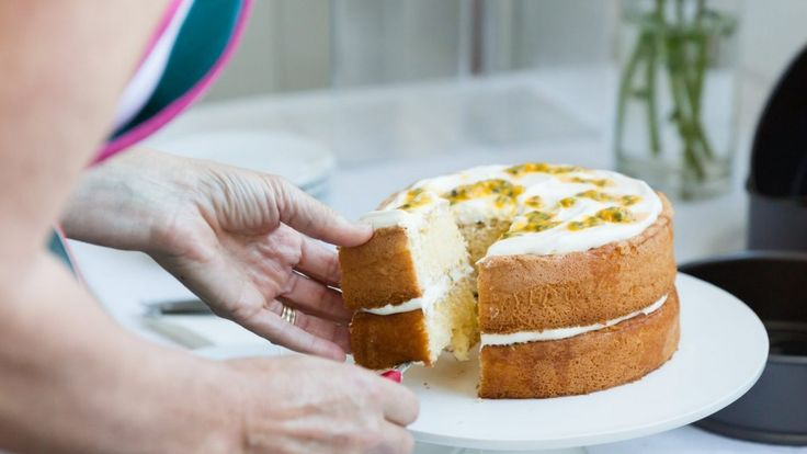 Anneka Manning's top tips for the perfect sponge