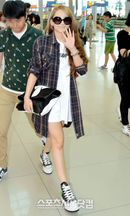 CL at Incheon airport, heading to Singapore (June 28, 2013)