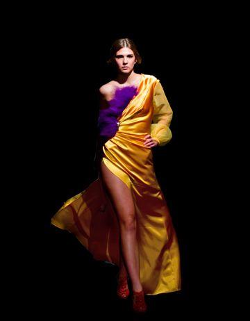 Vestido Atardecer seda pura de Marrakech y plumón de gallo
