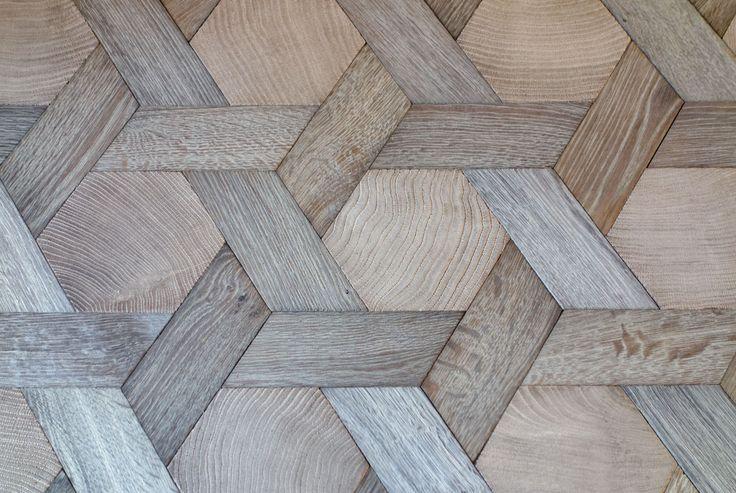 Hexagones en bois debout et navettes en bois de fil