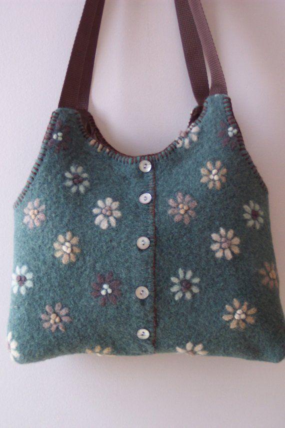 Suéter de lana afieltrada bolsa /Purse por FiberLingo en Etsy