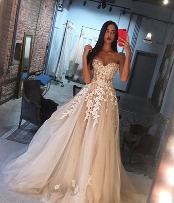 Amazing Lace Embroidery Sweetheart Bodice Corset Tulle Wedding Dresses Princess