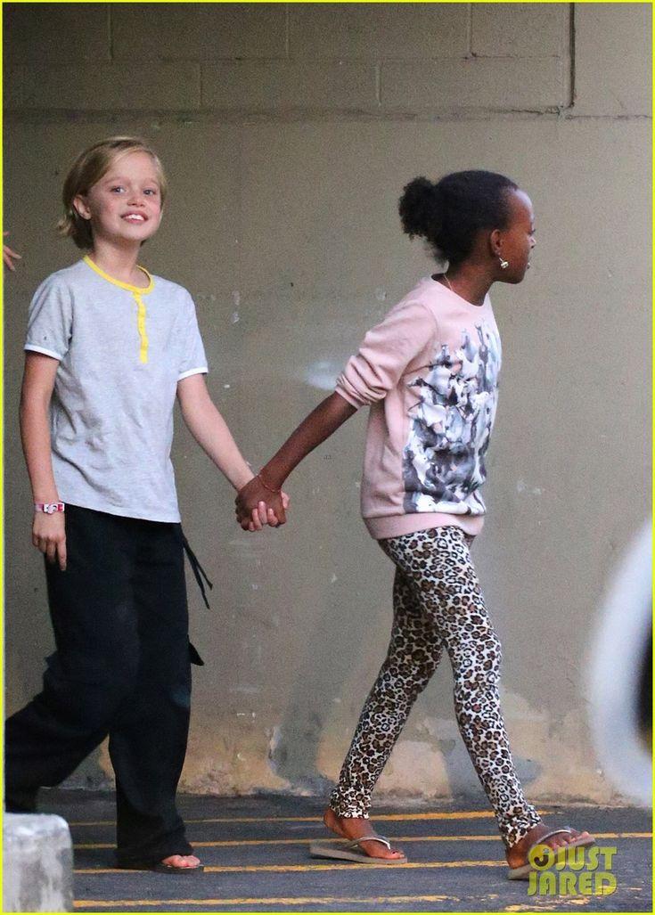 Angelina Jolie Goes Bowling in Australia w/ All 6 Kids! | Shiloh Jolie Pitt & Zahara Jolie Pitt
