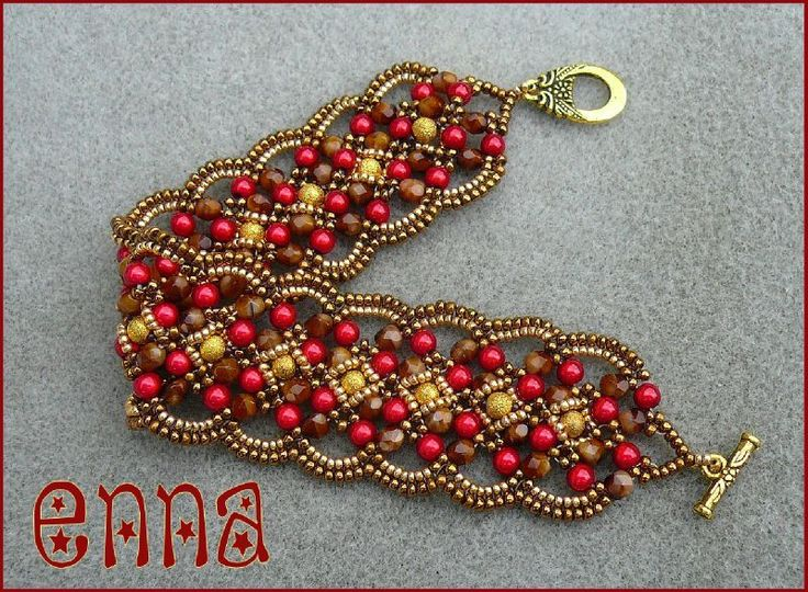 Maroon bracelet1 (tutorial at http://www.etsy.com/listing/95978273/tutorial-maroon-bracelet-beading-pattern) #enna #sicilia #sicily