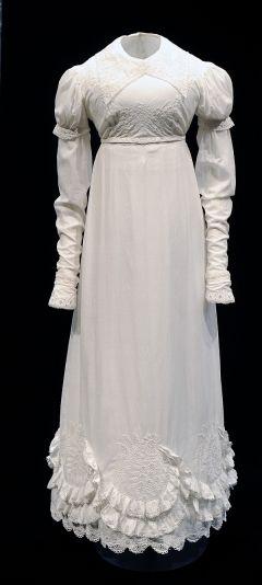1817 muslin day dress Bowes Mus