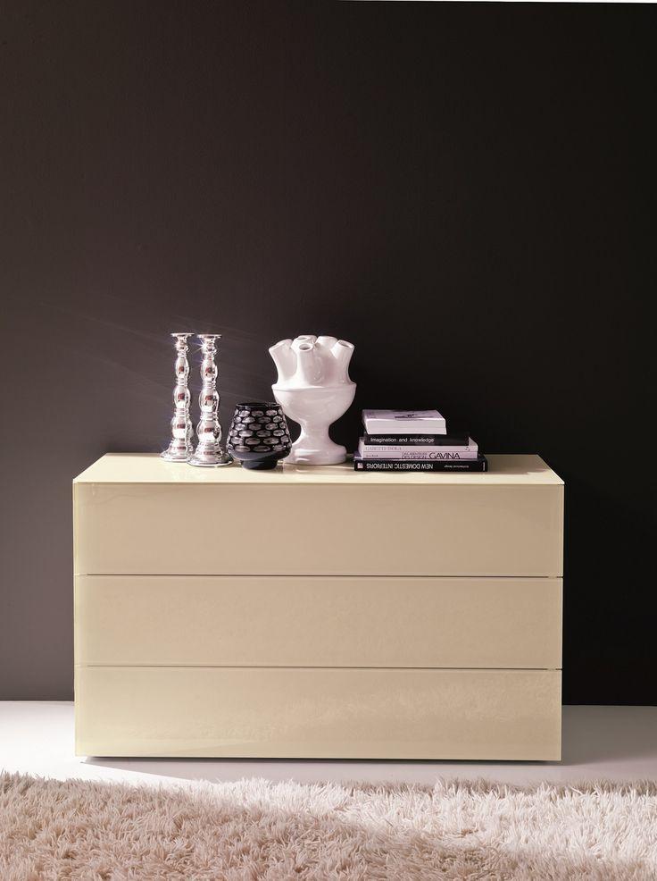 Enea comò a 3 cassetti. #fashion #cream #bontempiletti #bedroom #home #top #glass #wood #cristal
