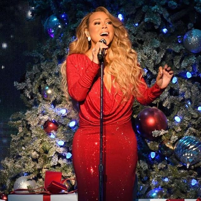 After 25 Years Mariah Careys All I Want For Christmas Is You Hits No 1 On The Billboard Hot 100 The Song S New Spot Mariah Carey Celebrities Number One Hits