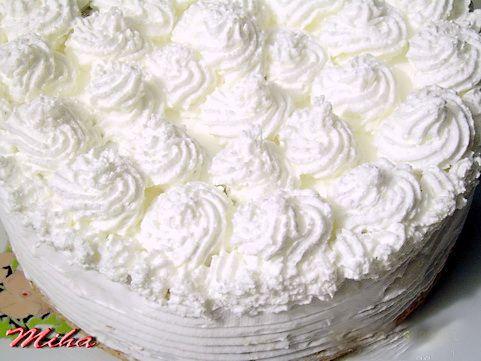 Mod de preparare Tort cu mere si crema de zahar ars: 4 linguri de zahar (se poate pune si mai mult ca sa iasa crema cu sirop mai mult, astfel si blatul este