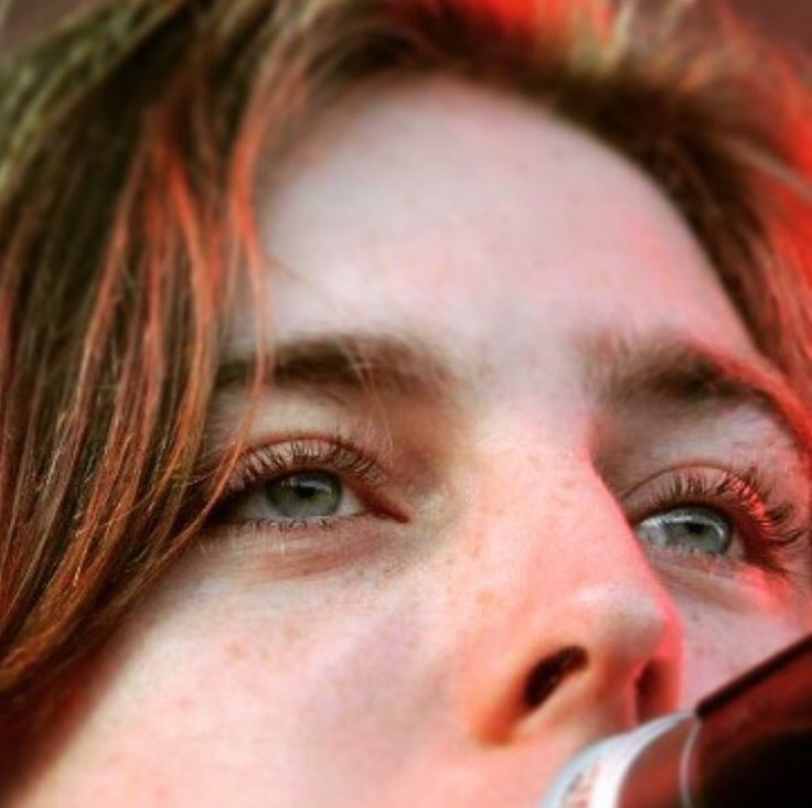 Van McCann of Catfish and the Bottlemen - eyelashes for dayyysss
