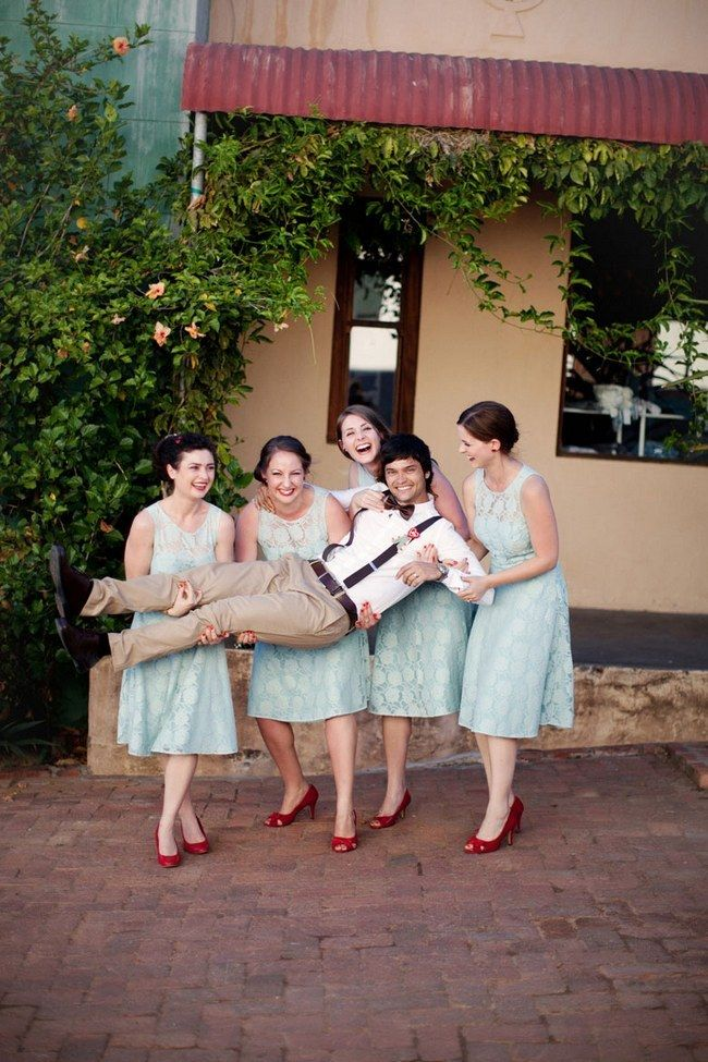30 Totally Fun Wedding Photo Ideas and Poses for Your ...