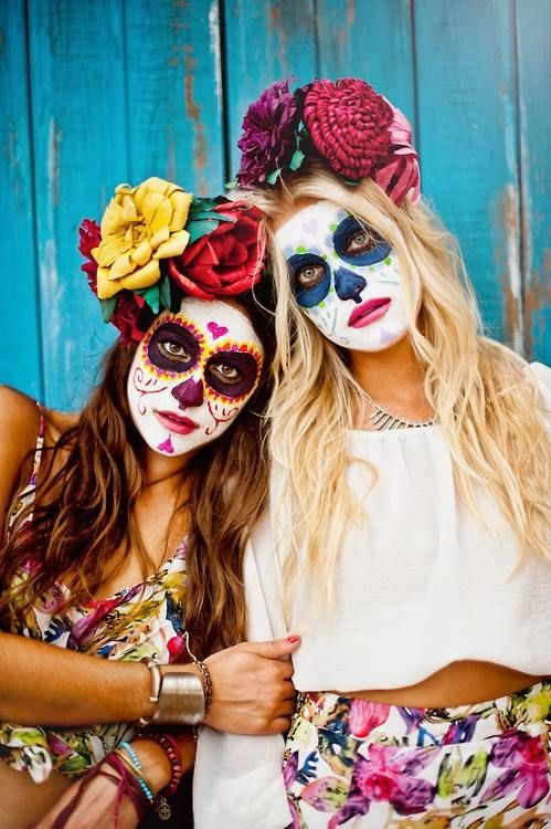Accede a este post y descubre todas las ideas para hacerte un disfraz de catrina. Existen versiones que seguro no conocías. #halloween #catrina #calaveramexicana #disfraz #costume