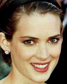 Born Winona Laura Horowitz on Oct. 29,  1971 in Winona, MN.