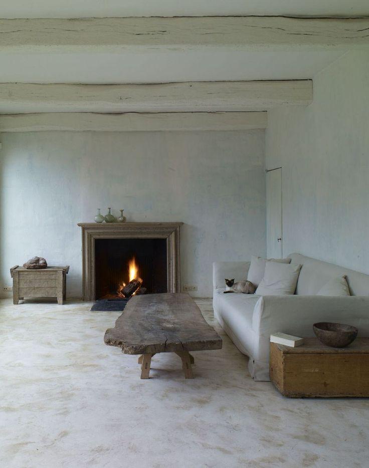 Light walls + neutrals. Rich textures. Interior by Axel Vervoordt.