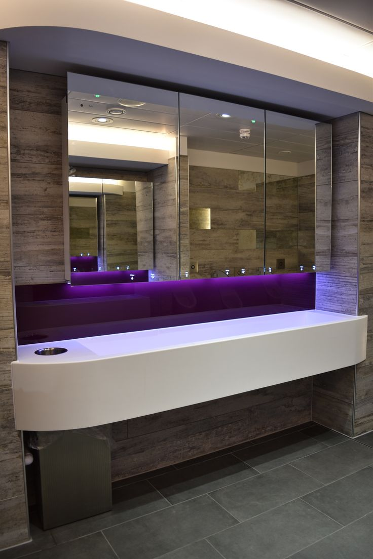 ALAVO System 600mm spacing, 1800mm wide, 3 wash stations with Tap, Soap and Dryer.