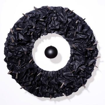 Papierkranz Donut Schwarz jetzt auf Fab.  Designt bei bei Yury Ustsinau