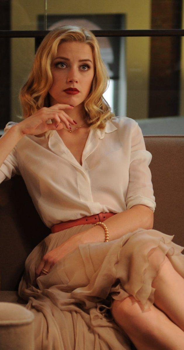 falda en crema - beige  camisa en blanco