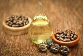 Cómo usar el aceite de ricino para la cara. ¿Aún no conoces los magníficos beneficios del aceite de ricino para las arrugas, las manchas, las ojeras, las pestañas..., y, en definitiva, para la piel del rostro? Este aceite que se extrae de las s...
