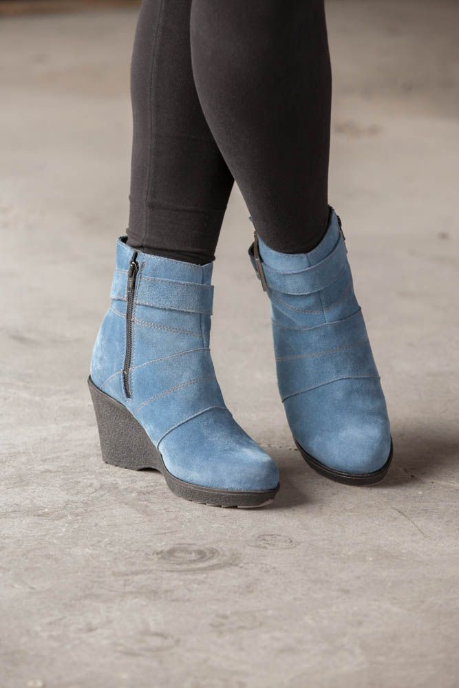 Blue boots for ladies http://anfibioboots.com/