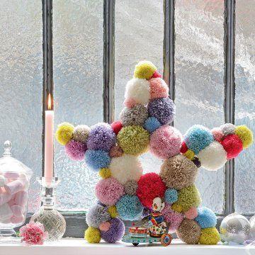 Créer une étoile en pompons / A star made of bobbles