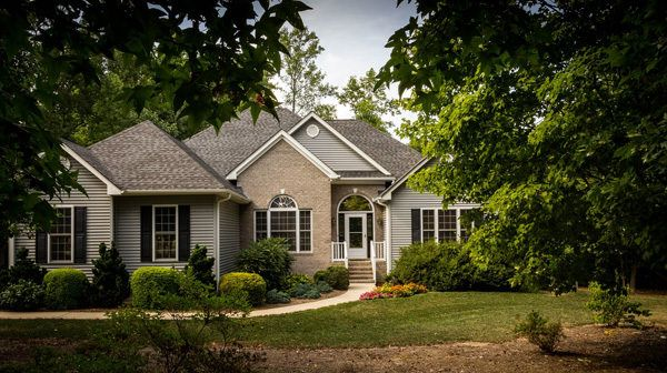 Despite the fact that homeownership is down a bit in the wake of the retreat, most people still think of it as a center part of the American Dream. On account of that, here are six tips that will offer you some assistance with avoiding basic home-purchasing blunders.