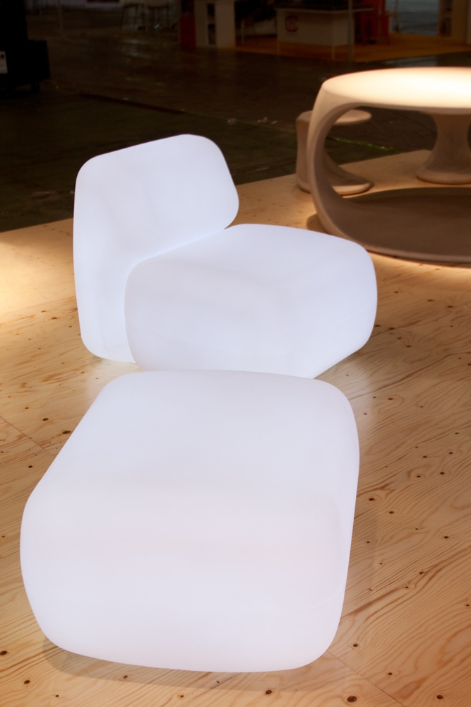 SIT bench in Plastic Collection