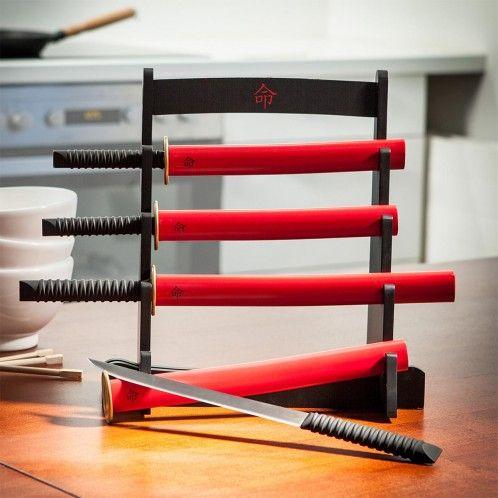 http://www.troppotogo.it/il-kit-espositore-coltelli-da-cucina-samurai