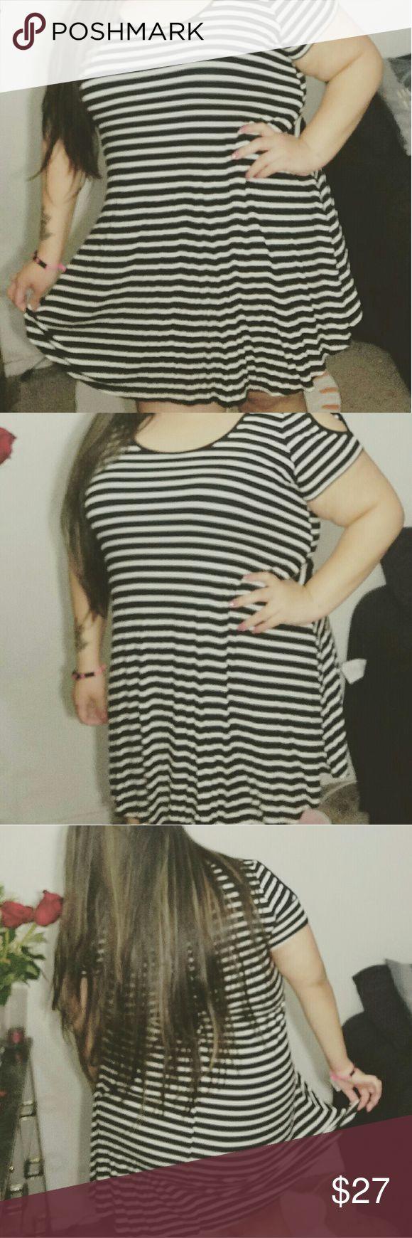 Black and white striped cold shoulder dress New Cold shoulder summer dress Dresses Mini