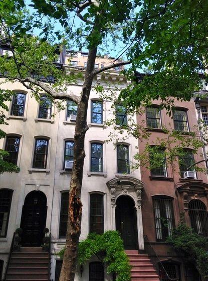 Dom zo slávneho filmu Raňajky u Tiffanyho sa predal za sumu 7,4 milióna amerických dolárov (v prepočte približne 6,8 milióna eur).