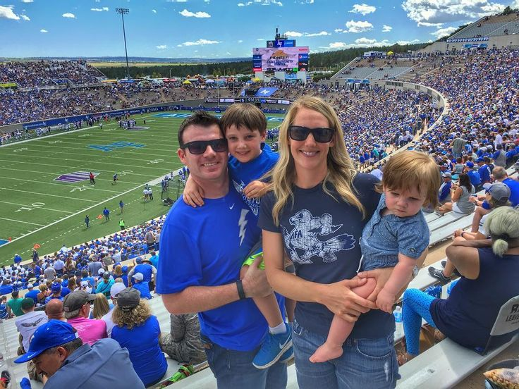 Sitting reserve today means one thing: College football! Catching a game with the family at the ol' alma mater. Go Falcons! #pilot #pilotlife #airlinelife #swapic #southwestairlines #thisismysouthwest #DEN #colorado #airforce #usafa #usairforceacademy #airforcefalcons #collegefootball #football #footballseason #footballgame