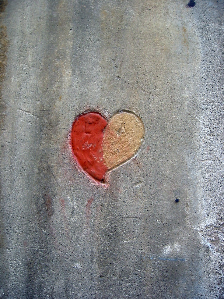 AS Roma | heart | street walls in Roma.  Taken a year after the 3rd championship close to Gantz's home (photo Micha Riss) #asroma