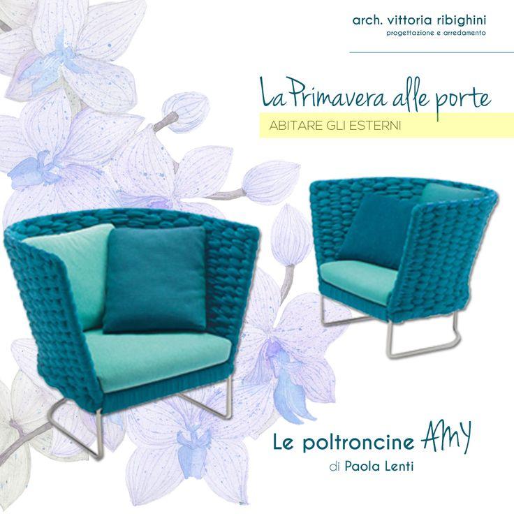 La serie AMI di PAOLA LENTI comprende poltroncine da tavolo, poltrone, sedie e divani. L'intreccio del rivestimento è interamente a mano. Disponibile in diversi colori vivaci e bellissimi.