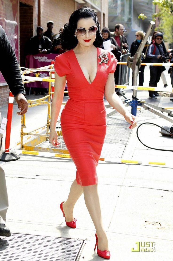 Fashion Icons: DITA VON TEESE  http://www.fashionstudiomagazine.com/2012/04/fashion-events-london_24.html