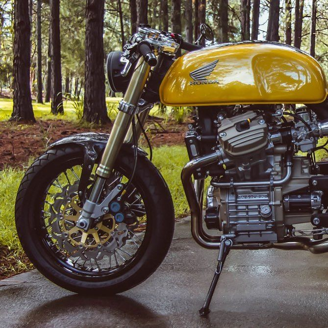 """Cafe Racers of Instagram is using Instagram: """"Stunning from every angle. Garth's # 39; s Honda CX500 was a 3 year build by one ver …"""