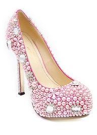 Sapato de pérolas.