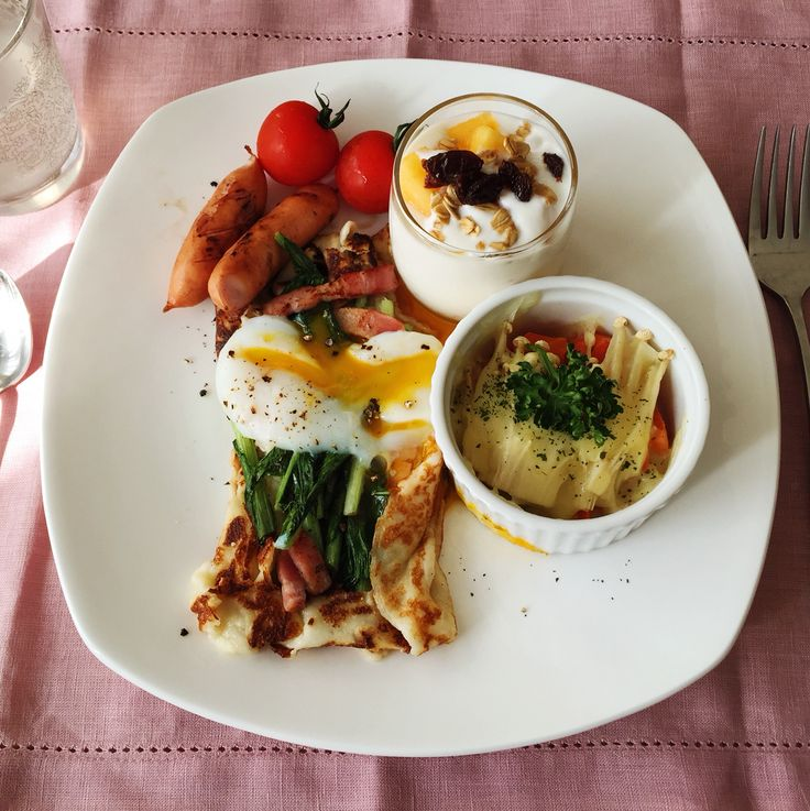 Galette-wanna-be Chinese crepe with porched egg, vegetable gratin and kaki yogurt parfait for breakfast. Original by heelsandmacarons