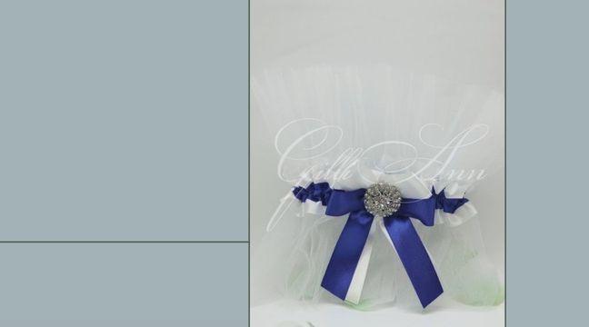 Украшение свадебного шампанского Gilliann Crystall Blue GLS109 http://www.wedstyle.su/katalog/anniversaries/svadebnye-bokaly/ukrashenija-na/ukrashenie-svadebnogo-shampanskogo-gilliann-golden