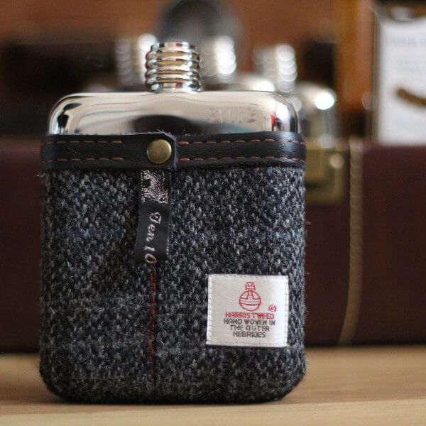 An unusual twist on the classic personalised hip flask.  Ideal gifts for a Best Man, the Groom and for Dad on Father's Day