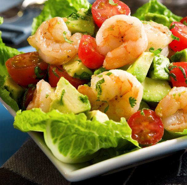 Από όλες τις σαλάτες αυτή θα έλεγα ότι είναι η αγαπημένη μου: λουσάτη, δροσερή και σικάτη, ταιριάζει υπέροχα σε ένα γιορτινό αλλά και στο σαρακοστιανό τραπέζι.