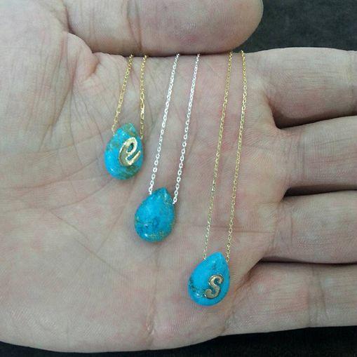 Kişiye Özel Harfli Firuze Taşlı Kolye Besen Koleksiyon  Besen Gümüş www.besengumus.com  #besen #gümüş #takı #aksesuar #kişiye #özel #kişiyeözel #harfli #firuze #taşlı #kolye #koleksiyon #özeltasarım #izmit #kocaeli #istanbul #besengumus #tasarım #moda #bayan  Fiyat Bilgisi ve Satın Almak İçin https://besengumus.com/besen-kolleksiyon/kisiye-ozel-harfli-firuze-tasli-kolye.html  Sorularınız İçin Whatsapp 0 544 6418977 Mağaza 0 262 3310170